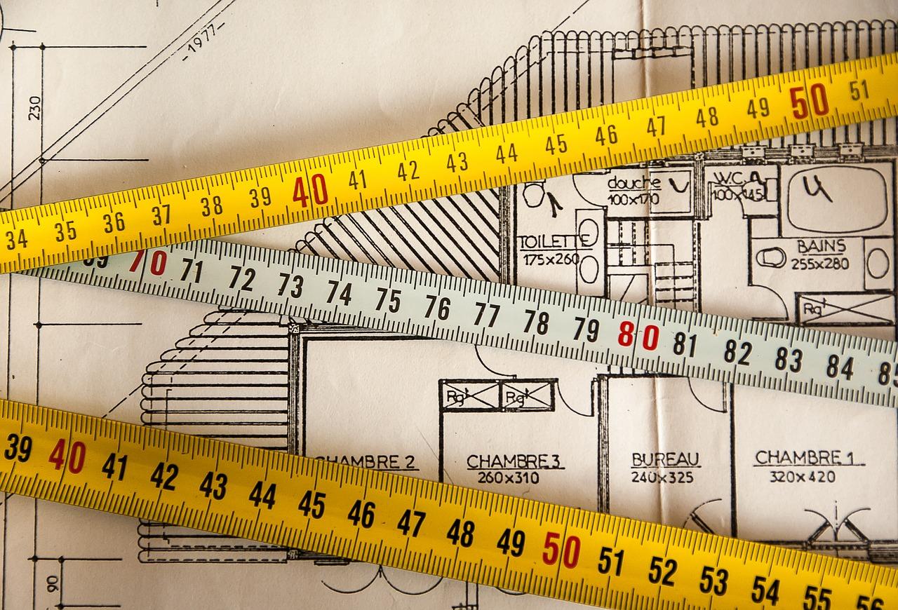 Quels professionnels contacter pour une extension de maison ?